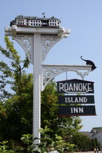 Front sign at The Roanoke Island Inn
